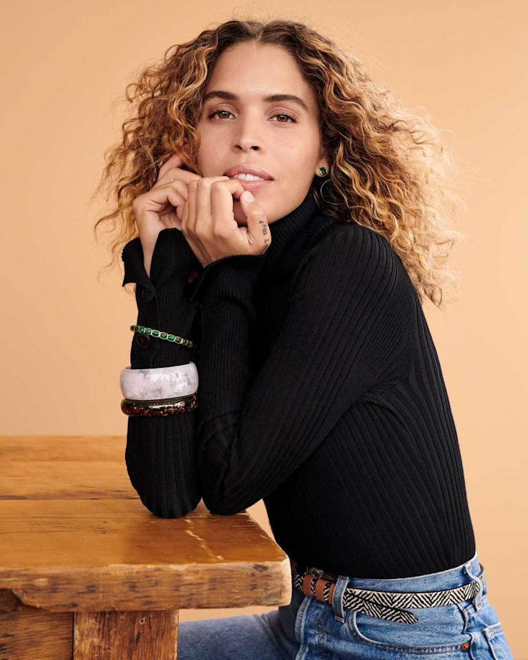 <p><strong>Model:</strong> Cleo Wade <br /><strong>Photographer:</strong> Alexandra Nataf<br />(Photo: Alexandra Nataf/courtesy of Anthropologie) </p>
