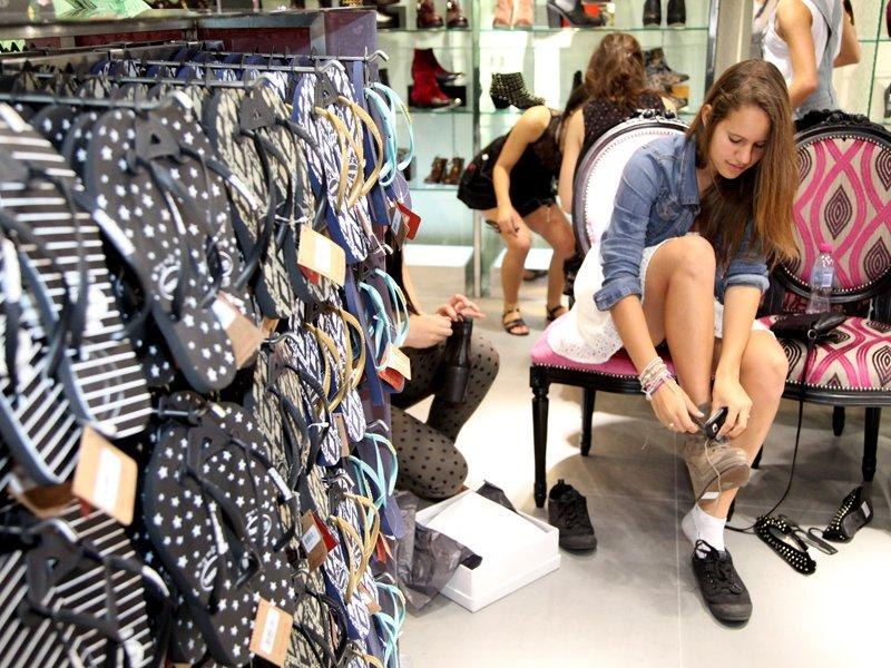 Businesses expect weaker sales in 2013