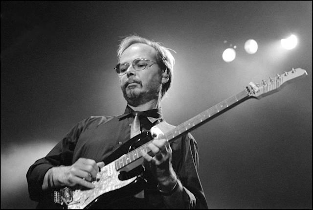 <p>Walter Becker was the co-founder, guitarist, bassist, and co-songwriter of Steely Dan. He died Sept. 3 from esophageal cancer. He was 67.<br> (Photo: Getty Images) </p>