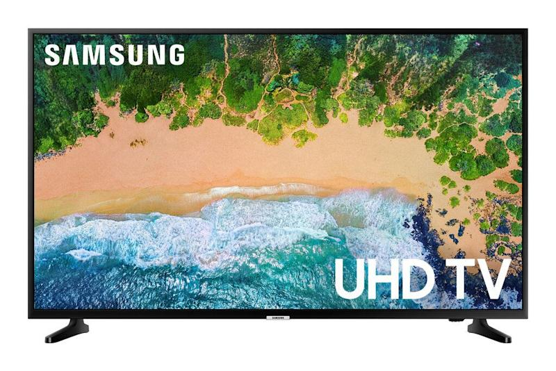 "If you're looking for a TV deal worth writing home about, this 55-inch Samsung is a great deal at Walmart right now for 25% off. <strong><a href=""https://fave.co/2xTaZCQ"" target=""_blank"" rel=""noopener noreferrer"">Normally $528, you can get it on sale for just $397</a></strong>."