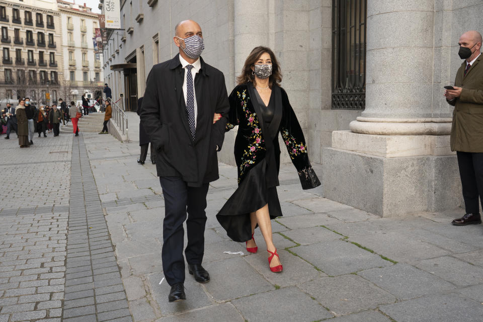 MADRID, SPAIN - 2021/03/03: Ana Rosa Quintana and Juan muñoz, attends the premiere of  the performance of