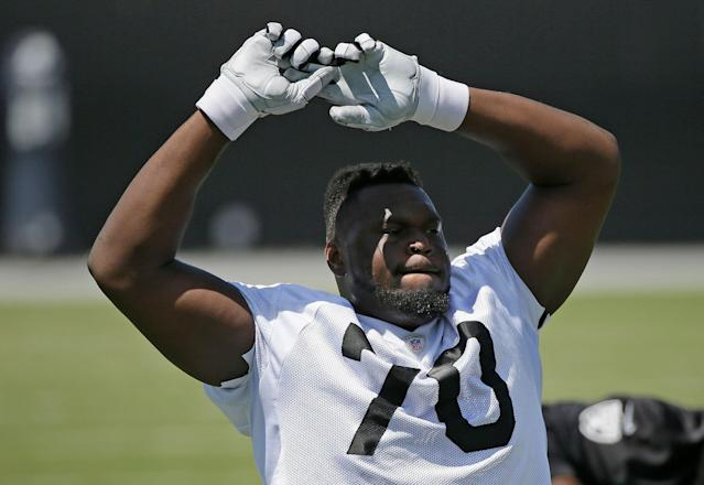 "<a class=""link rapid-noclick-resp"" href=""/nfl/players/25770/"" data-ylk=""slk:Kelechi Osemele"">Kelechi Osemele</a>'s time in Oakland is up, as the Raiders are trading the two-time Pro Bowl guard to the <a class=""link rapid-noclick-resp"" href=""/nfl/teams/ny-jets/"" data-ylk=""slk:New York Jets"">New York Jets</a>. (AP Photo/Eric Risberg)."