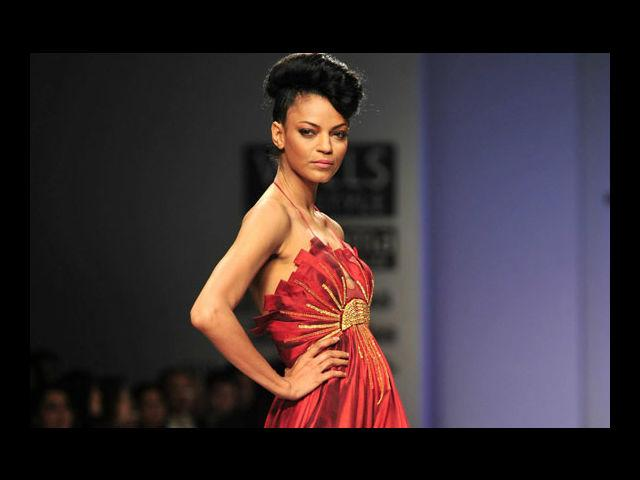 <b>6. Noyonika Chatterjee</b><br>This Bong beauty is known as the Naomi Campbell of India and is a serious ramp model.