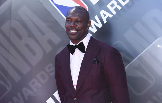 Terrell Owens is in the Pro Football class of 2018, but the executive director of the Hall said he won't be announced at the ceremony. (AP)