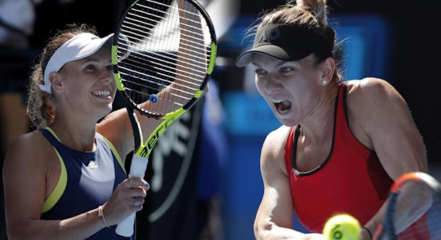 "<a class=""link rapid-noclick-resp"" href=""/olympics/rio-2016/a/1110228/"" data-ylk=""slk:Caroline Wozniacki"">Caroline Wozniacki</a> (left) and Simona Halep will face off for the Australian Open women's title on Saturday. Neither player as won a major title. (AP)"