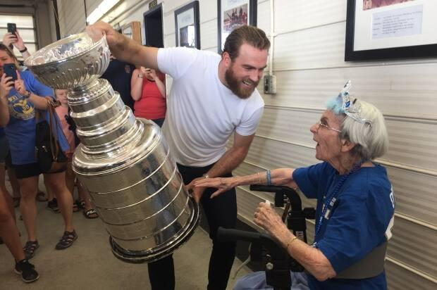 Ryan O'Reilly shares the Stanley Cup with his 99-year-old grandmother after winning the NHL championship in 2019. Ryan and his brother, Cal, were often given extra ice time by Nesbitt when they were young players, and on Wednesday, Ryan's mother Bonnie donated a kidney to Nesbitt.