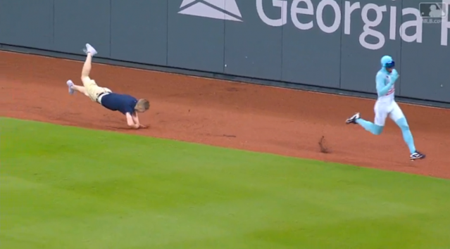 """Another Braves fan failed in spectacular fashion trying to beat """"The Freeze."""" (MLB.com Screenshot)"""