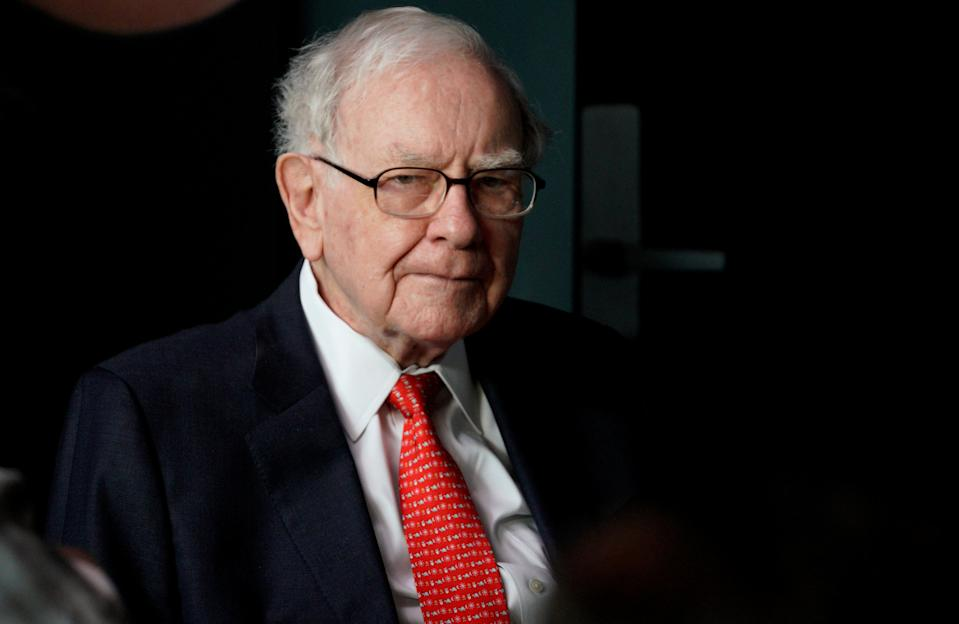 Warren Buffett, CEO of Berkshire Hathaway Inc, pauses while playing bridge as part of the company annual meeting weekend in Omaha, Nebraska U.S. May 6, 2018. REUTERS/Rick Wilking