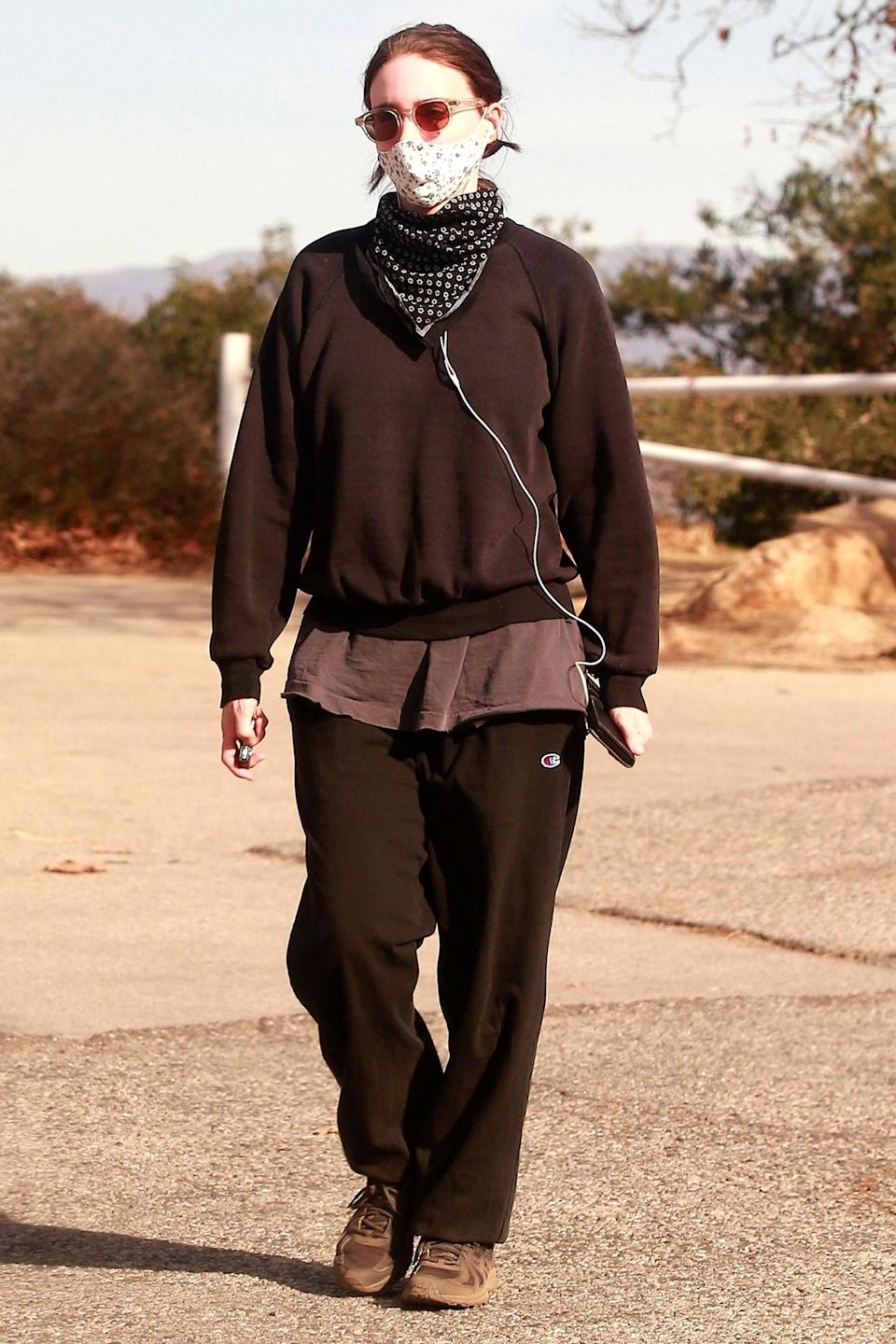 <p>Rooney Mara was seen going for a hike and wearing a face mask in Los Angeles.</p>