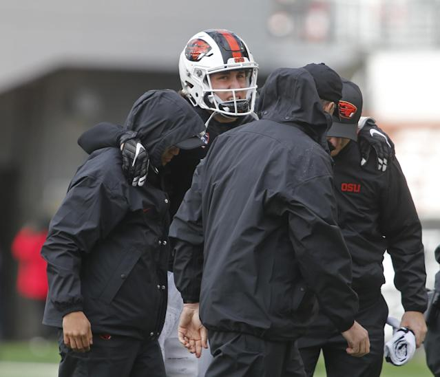 "Oregon State QB <a class=""link rapid-noclick-resp"" href=""/ncaaf/players/228809/"" data-ylk=""slk:Darell Garretson"">Darell Garretson</a> suffered a season-ending ankle injury vs. Utah. (AP Photo/Timothy J. Gonzalez)"