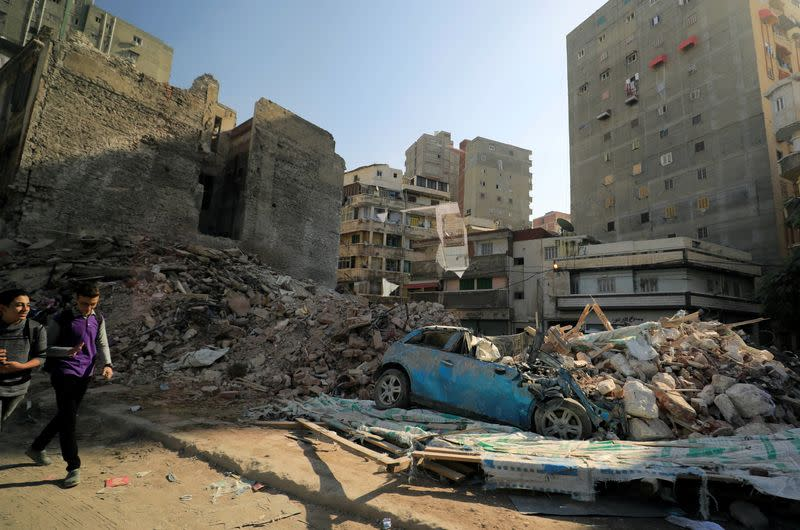 Building collapses in Egypt's Alexandria