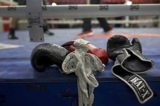 In Britain, 100-loss journeymen boxers punch the clock