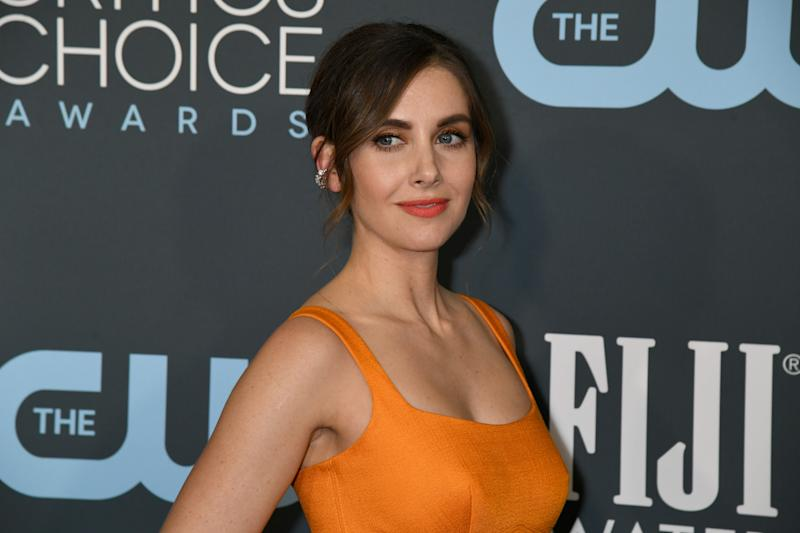 SANTA MONICA, CALIFORNIA - JANUARY 12: Alison Brie attends the 25th Annual Critics' Choice Awards at Barker Hangar on January 12, 2020 in Santa Monica, California. (Photo by Jeff Kravitz/FilmMagic)