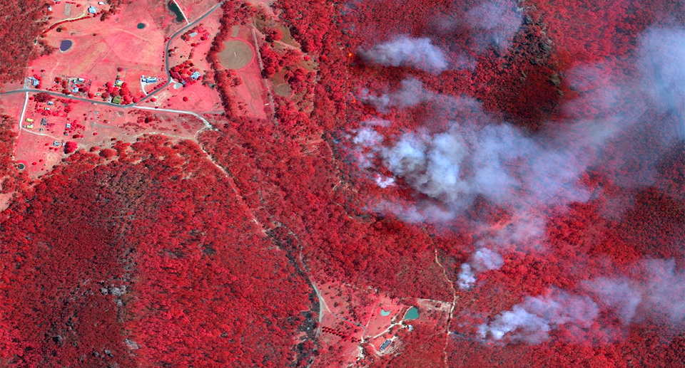 A satellite image of fires near the Blues Mountains in 2013. Scientists have studied what homes were most at risk. Source: Getty