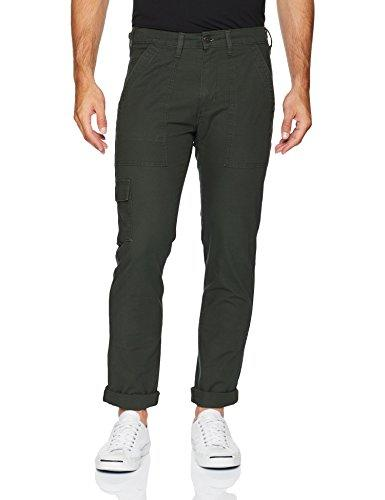 """<p><strong>Levi's</strong></p><p>amazon.com</p><p><a href=""""http://www.amazon.com/dp/B07D1PZBR4/?tag=syn-yahoo-20&ascsubtag=%5Bartid%7C2139.g.28771976%5Bsrc%7Cyahoo-us"""" target=""""_blank"""">BUY IT HERE</a></p><p><del>$69.50</del><strong><br>$28.42</strong></p><p>Good news: You don't have to be a jeans fanatic to take advantage of this great sale. Between the plethora of pockets and smooth, chino material, this pair looks like an elevated take on cargo pants. </p>"""