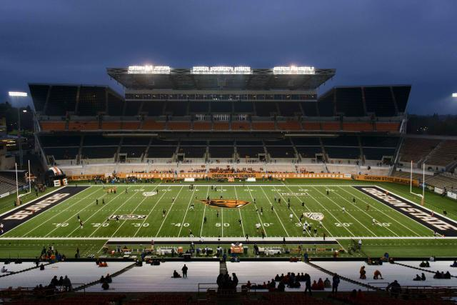 Oregon State gets treated to a post-scrimmage Slip 'N Slide (Video)