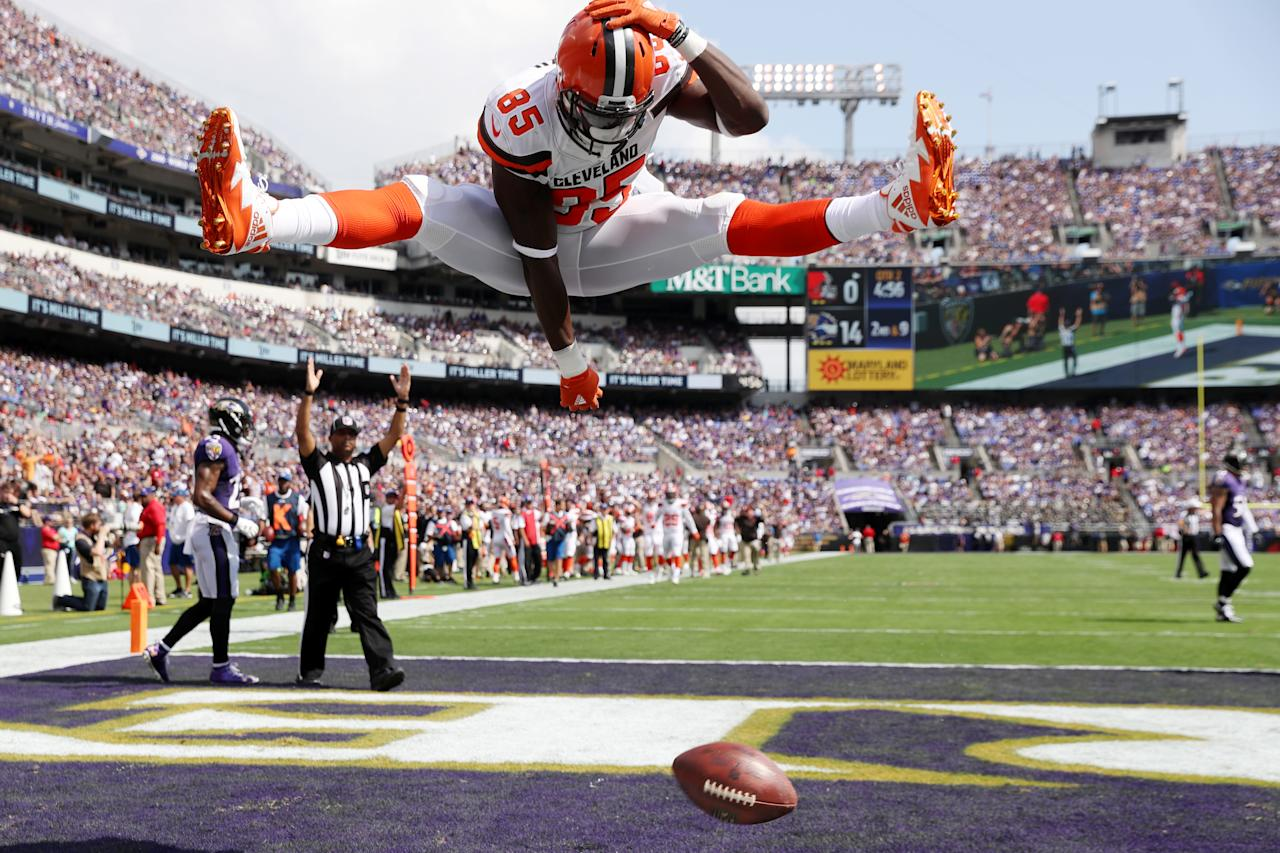<p>Tight end David Njoku #85 of the Cleveland Browns celebrates his touchdown against the Baltimore Ravens in the second quarter at M&T Bank Stadium on September 17, 2017 in Baltimore, Maryland. (Photo by Rob Carr /Getty Images) </p>