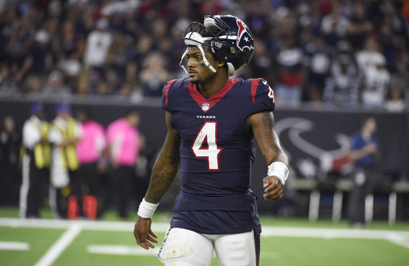 5029a024 Texans face the Dolphins on the Yahoo Sports app