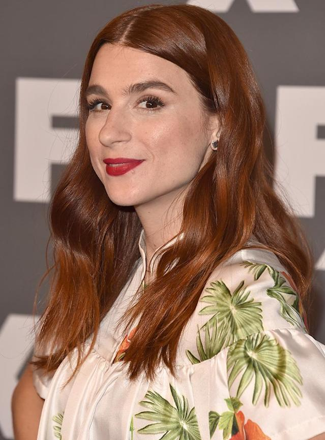 <p>Cash is another redhead we admire. The actress-producer's rich hair color posesses natural highlights that keep her mane from looking flat. And we love how she paired it with a bold red lipstick. (Photo: Alberto E. Rodriguez/Getty Images) </p>