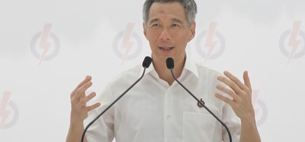 Prime Minister Lee Hsien Loong pledges to make the system better for Singaporeans. (Yahoo! photo/Kzan)