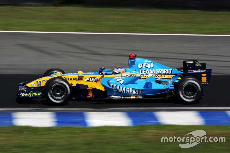 "Fernando Alonso, Renault R26<span class=""copyright"">Sutton Motorsport Images</span>"
