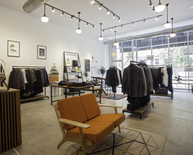 "<p>Unlike the other businesses mentioned here, Montreal-based menswear retailer <strong>Frank And Oak </strong>actually started selling its wares online, but since 2014 opened more than a dozen brick-and-mortar locations in major cities across North America. It has since rolled out two-hour delivery in Montreal, Toronto and Vancouver, and offers ""guided shopping"" on its app, according to <a href=""http://strategyonline.ca/2016/05/11/frank-oak-evolves-its-experience/"" rel=""nofollow noopener"" target=""_blank"" data-ylk=""slk:Strategy Online."" class=""link rapid-noclick-resp"">Strategy Online. </a>(Yahoo)<br>. </p>"