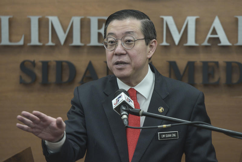 Finance Minister Lim Guan Eng (pic) said PAS deputy president Datuk Tuan Ibrahim Tuan Man was obviously trying to play on racial sentiment by seeking for his removal from the Cabinet. — Picture by Shafwan Zaidon