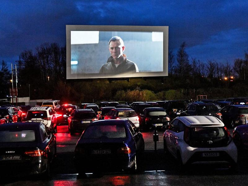 The drive-in cinema trend has long existed in Western countries as well as several Asian countries.