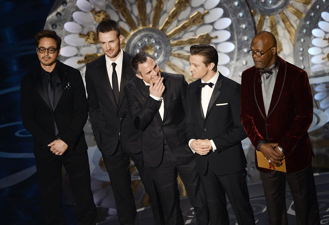 HOLLYWOOD, CA - FEBRUARY 24:  Actors Robert Downey Jr., Chris Evans, Mark Ruffalo, Jeremy Renner and Samuel L. Jackson present onstage during the Oscars held at the Dolby Theatre on February 24, 2013 in Hollywood, California.  (Photo by Kevin Winter/Getty Images)