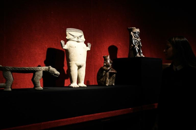 Mexico filed a formal complaint against the auction in France of pre-Columbian artefacts including sacred jewellery worn by a shaman and the figurine of a fertility goddess