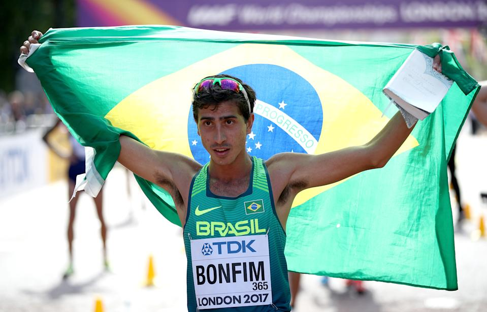 LONDON, ENGLAND - AUGUST 13:  Caio Bonfim of Brazil, bronze, celebrates after the Men's 20 Kilometres Race Walk final during day ten of the 16th IAAF World Athletics Championships London 2017 at The Mall on August 13, 2017 in London, United Kingdom.  (Photo by Julian Finney - British Athletics/British Athletics via Getty Images )