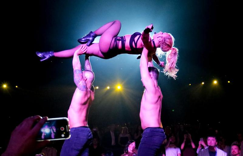 Britney is seen being lifted up by male back-up dancers at her final gig at AXIS, Planet Hollywood in Las Vegas. Source: Splash