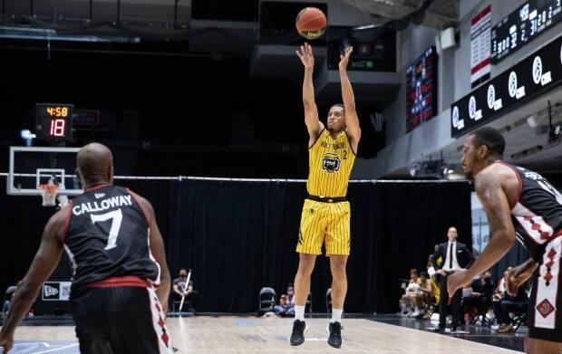 Lindell Wigginton collected a second straight Elan winning shot to give the Hamilton Honey Badgers their first two wins at the 2021 CEBL season.   (Submitted by the CEBL - image credit)
