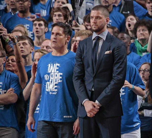 "<a class=""link rapid-noclick-resp"" href=""/nba/players/4920/"" data-ylk=""slk:Chandler Parsons"">Chandler Parsons</a> (right) and Mark Cuban's bromance ended in divorce. (Getty Images)"