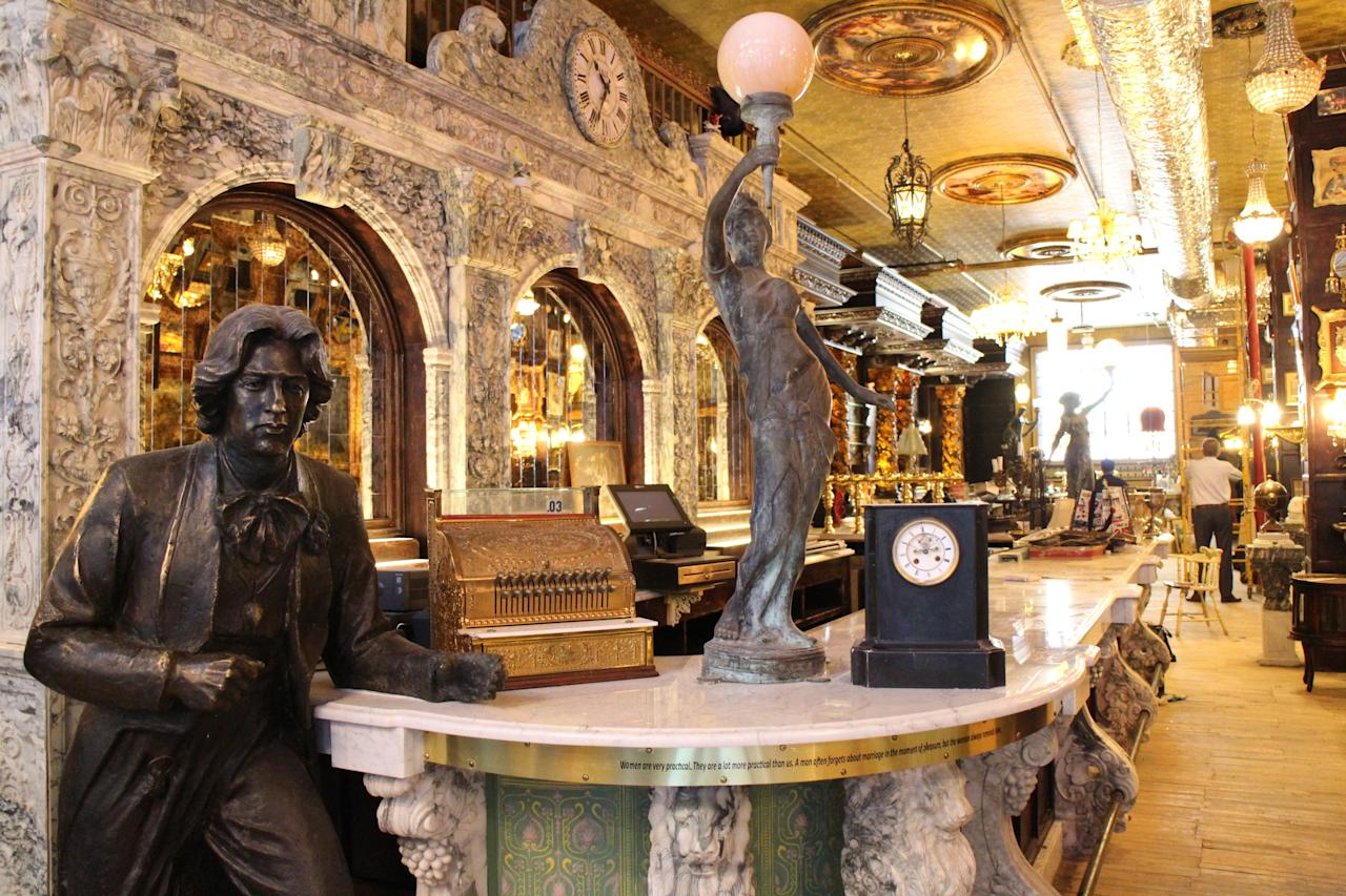 <p>The watering hole will feature the longest bar in the city.</p>