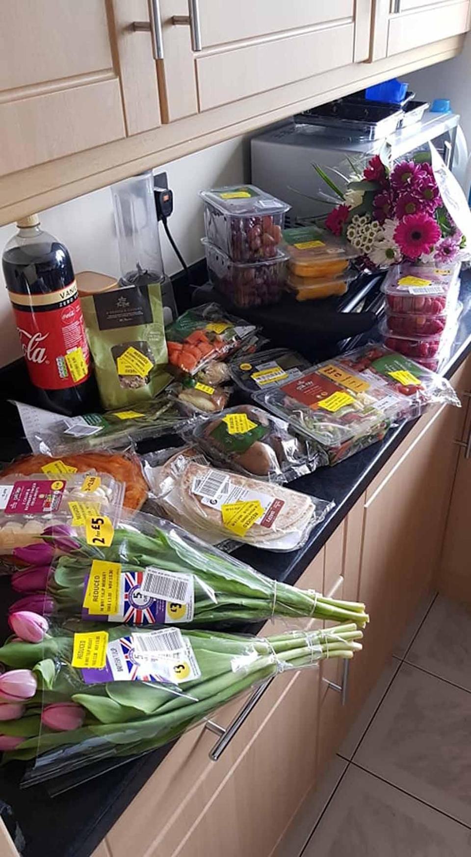 Reduced flowers, fruit and baked goods. PA REAL LIFE COLLECT
