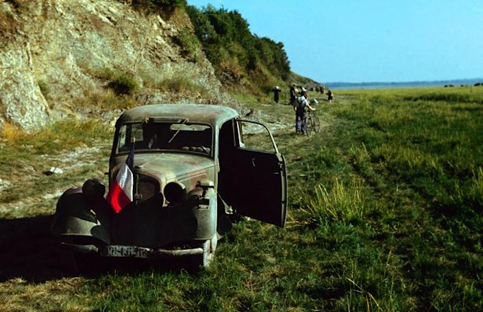 """Along the coast of France, June 1944. (Frank Scherschel—Time & Life Pictures/Getty Images) <br> <br> <a href=""""http://life.time.com/history/d-day-rare-color-photos/#1"""" rel=""""nofollow noopener"""" target=""""_blank"""" data-ylk=""""slk:Click here"""" class=""""link rapid-noclick-resp"""">Click here</a> to see the full collection at LIFE.com"""