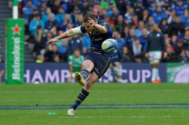 Rugby Union - European Champions Cup Final - Leinster Rugby v Racing 92 - San Mames, Bilbao, Spain - May 12, 2018 Leinster Rugby's Johnny Sexton kicks a penalty REUTERS/Vincent West
