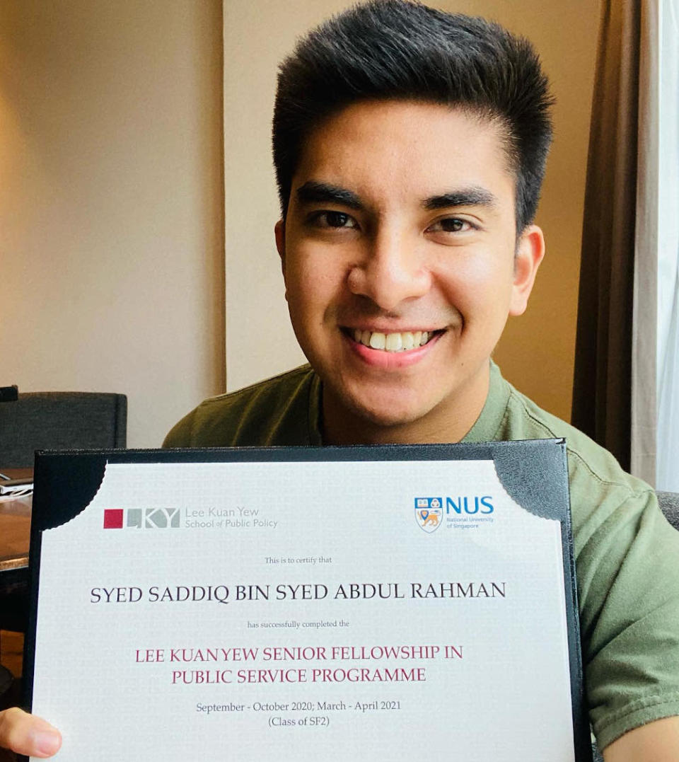 Syed Saddiq Abdul Rahman announced that he has completed his Senior Fellowship at NUS Lee Kuan Yew School of Public Policy April 11, 2021. — Picture via Facebook/Syed Saddiq Syed Abdul Rahman