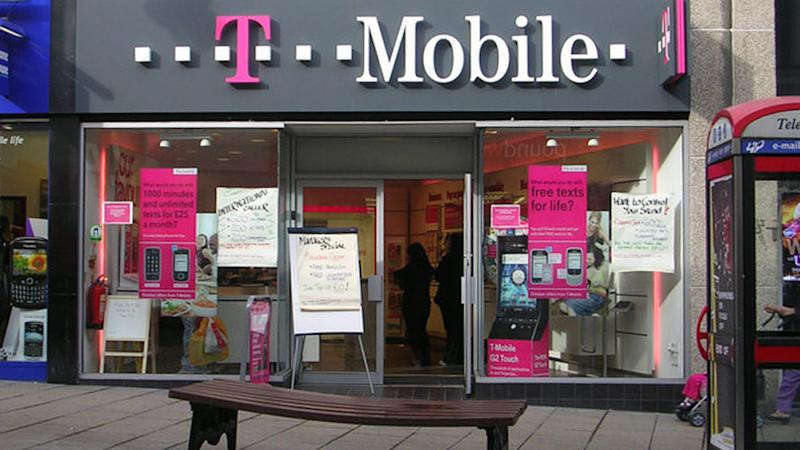 T-Mobile Says 'Cheat on Your Provider' Offering Free iPhone 5s