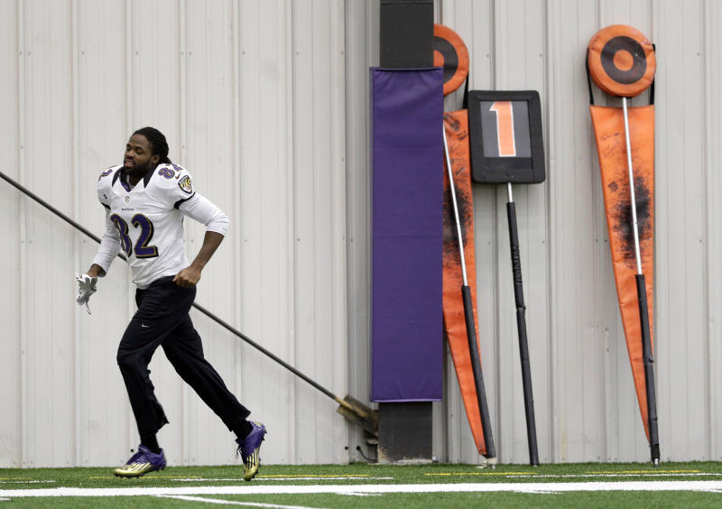Baltimore Ravens wide receiver Torrey Smith jogs during NFL football practice at the team's training facility in Owings Mills, Md., Friday, Jan. 25, 2013. The Ravens are scheduled to face the San Francisco 49ers in Super Bowl XLVII in New Orleans on Sunday, Feb. 3. (AP Photo/Patrick Semansky)