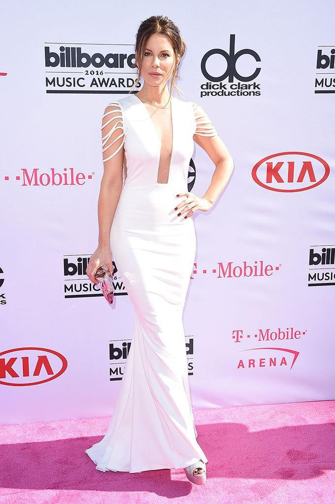 <p>Presenter Beckinsale kept it simple and stunning in a breezy white gown. <i>(Photo: Frazer Harrison/Getty Images)</i></p>