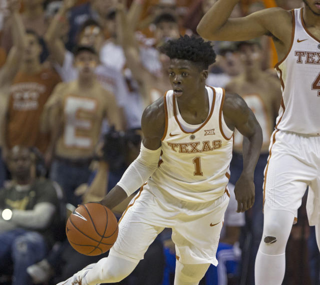 "The University of Texas is asking for donations to help <a class=""link rapid-noclick-resp"" href=""/ncaaf/players/242084/"" data-ylk=""slk:Andrew Jones"">Andrew Jones</a> and his family pay for leukemia treatments. (AP Photo/Michael Thomas)"