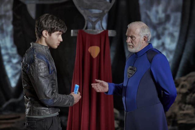 Cameron Cuffe as Seg-El, Ian McElhinney as Val-El in <em>Krypton </em>(Photo: Gavin Bond/Syfy)