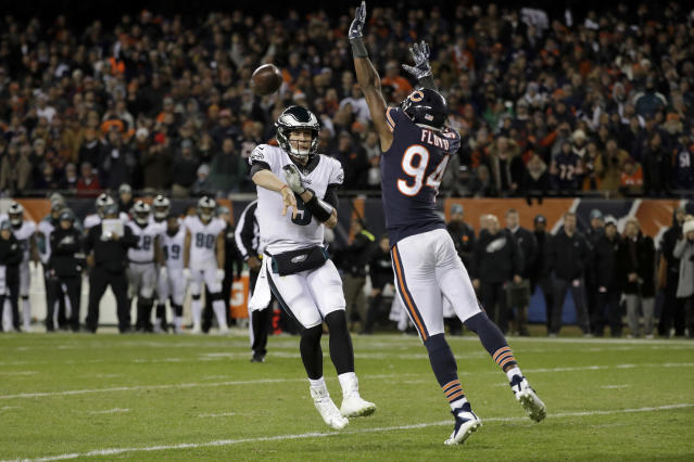 Eagles quarterback Nick Foles came up big in the Eagles' final scoring drive in Sunday's wild-card victory against the Bears.  (AP)