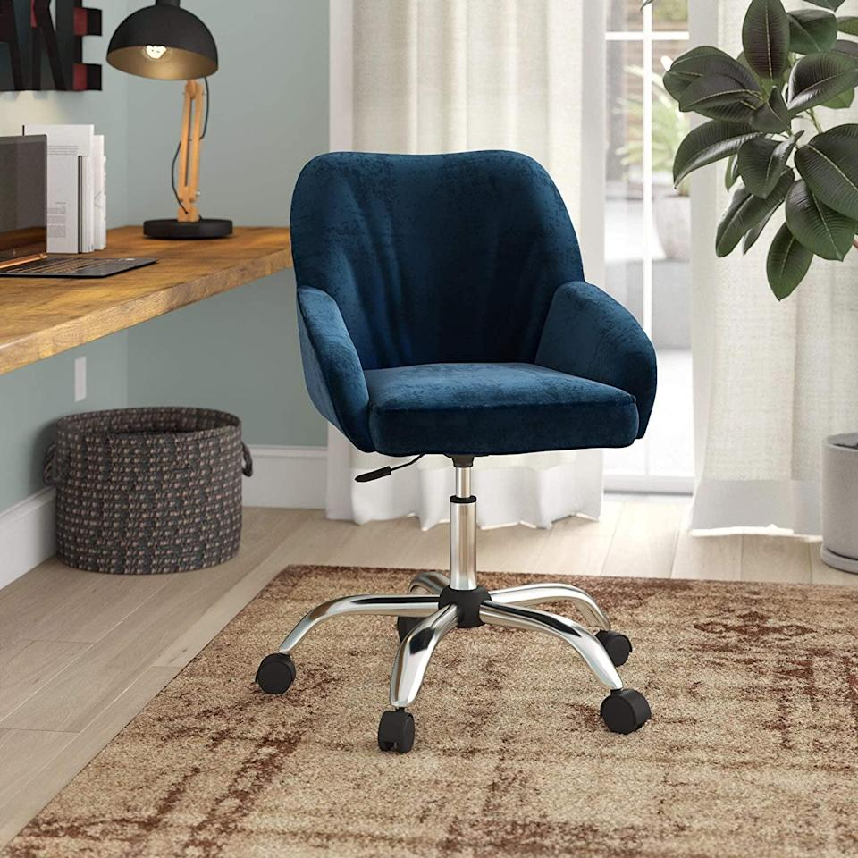 <p>This <span>Belleze Office Chair Adjustable Swivel Mid-Back Desk Chair</span> ($100) comes in several colors.</p>