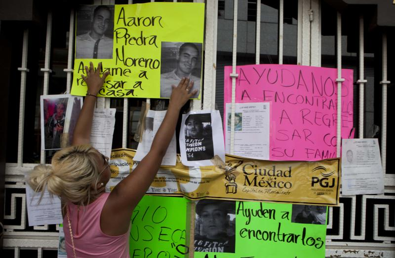 11 vanish from Mexico City bar in suspected kidnap