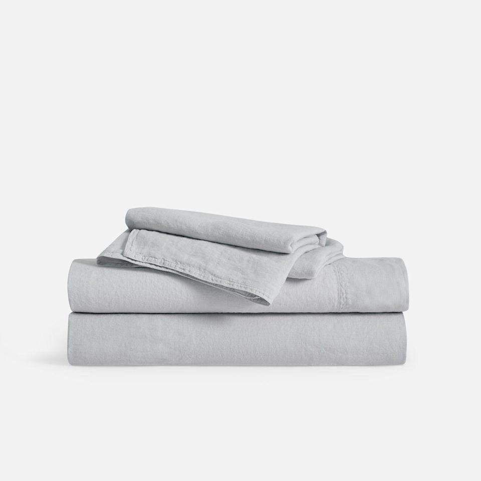 """<p><strong>Brooklinen </strong></p><p>brooklinen.com</p><p><strong>$269.00</strong></p><p><a href=""""https://go.redirectingat.com?id=74968X1596630&url=https%3A%2F%2Fwww.brooklinen.com%2Fproducts%2Flinen-core-sheet-set%3Fvariant%3D12425268494426&sref=https%3A%2F%2Fwww.goodhousekeeping.com%2Fhome-products%2Fbest-sheets%2Fg27482059%2Fbest-cooling-sheets%2F"""" rel=""""nofollow noopener"""" target=""""_blank"""" data-ylk=""""slk:Shop Now"""" class=""""link rapid-noclick-resp"""">Shop Now</a></p><p><a href=""""https://www.goodhousekeeping.com/home-products/best-sheets/g25937065/best-linen-sheets/"""" rel=""""nofollow noopener"""" target=""""_blank"""" data-ylk=""""slk:Linen sheets"""" class=""""link rapid-noclick-resp"""">Linen sheets</a> have a great breathable feel for summer months, but they're not loved by all. If you're nervous to take the plunge, try this sheet set with a generous return policy. If you decide linen is not for you, Brooklinen offers <strong>returns and exchanges within 365 days of purchase</strong>. Although linen is not the softest, they are strong and had minimal shrinkage in our Lab evaluations. </p>"""
