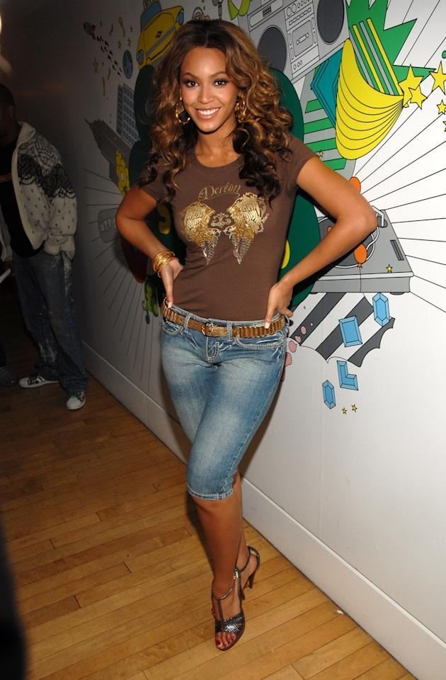 <p>Beyonce wears jorts for an appearance on MTV.</p>