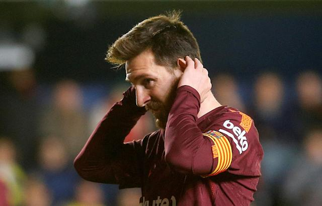 Soccer Football - La Liga Santander - Villarreal vs FC Barcelona - Estadio de la Ceramica, Villarreal, Spain - December 10, 2017 Barcelona's Lionel Messi looks dejected REUTERS/Heino Kalis